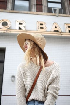 New York and Paris Style: Whats the Difference? Camille Rowe Shares Her Take Into The Fire, Moda Paris, Look Here, Wide-brim Hat, Tan Hat, Inspiration Mode, Models, Mode Style, Paris Fashion