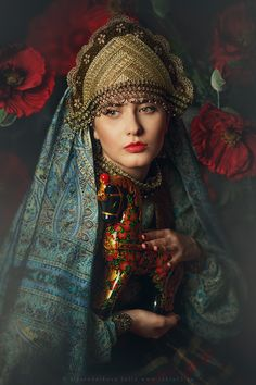Oh just take a look at this! Russian Beauty, Russian Fashion, Folk Fashion, Ethnic Fashion, Mode Russe, Estilo Popular, Photographie Portrait Inspiration, Costumes Around The World, Russian Culture