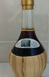 Prodotto tipico delle #Marche Vino cotto azienda De Carolis Lapedona - www.BedAndBreakfastItalia.com - #MarcheWine #ItalianWine #Wine #Italy