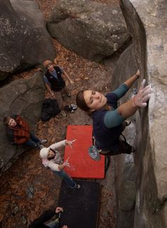 Beginner's Bouldering: How to get started (thanks for sharing, @lauraawalks!)