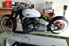 Yamaha V-Star 650 Bobber Motos Bobber, Bobber Bikes, Cafe Racer Motorcycle, Cool Motorcycles, Scrambler, Yamaha V Star, V Star 650 Bobber, Cafe Racing, Yamaha Motor