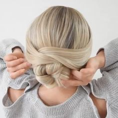 Long Haircut with Side Bangs - 40 Long Hairstyles and Haircuts for Fine Hair with an Illusion of Thicker Locks - The Trending Hairstyle Easy Bun Hairstyles, Wedding Hairstyles, Virtual Hairstyles, Drawing Hairstyles, Hairstyles Videos, African Hairstyles, Post Workout Hair, Hair Videos, Makeup Videos