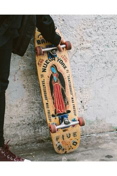 Laurel Golio's striking photos document a day in the life of Brujas, an all-Latina skate crew. Chicano Love, Chicano Art, Estilo Chola, Chola Style, Brown Pride, Skateboard Design, Our Lady, Aesthetic Pictures, Latina