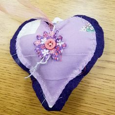 I found this lovely little heart in the breezeway of the library at California State University, California on my way to class. Thanks to whomever took the time to place this heart, as it has indeed brightened my day! #ifaqh #ifoundaquiltedheart