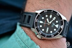 A complete history and review of the vintage Seiko SKX007, one the best daily-beaters and diver watches ever created, an absolute must-have for collectors