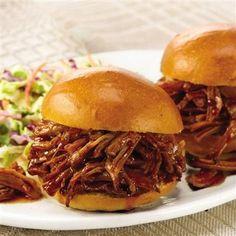 pulled bbq pork sandwiches!!