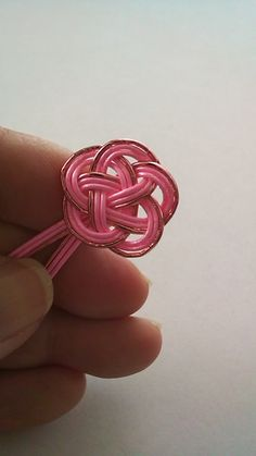 Micro Macrame, Paper Toys, Rosettes, Diy Paper, Bag Accessories, Origami, Heart Ring, Diy And Crafts, Handmade