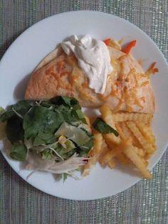 Csirkés quesadilla Ketchup, Chicken, Food, Red Peppers, Essen, Meals, Yemek, Eten, Cubs