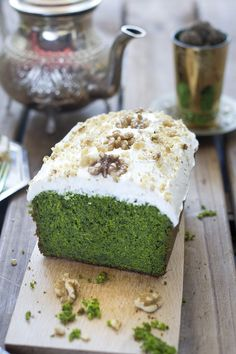 How to make a green cake with spinach? Here you have the answer. (in Spanish) Vegan Desserts, Dessert Recipes, Bolo Fit, Green Cake, Pan Dulce, Greek Recipes, Sin Gluten, Cakes And More, Bakery
