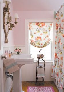 Shabby interior bathroom design design ideas decorating before and after Decor, Bathroom Decor, Home, Interior, Bathroom Design, Shabby Chic Bathroom, Pink Bathroom, Shabby Chic Decor, Home Decor