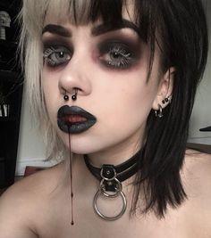 """sinnpuppet: """"Blood blood gallons of the stuff! Emo Makeup, Grunge Makeup, Dark Makeup, Girls Makeup, Makeup Inspo, Makeup Art, Makeup Inspiration, Beauty Makeup, Pastel Goth Makeup"""