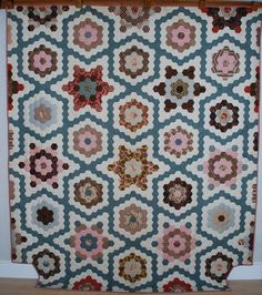 Quilts-Vintage and Antique: Hexagon-Mosaic Quilt
