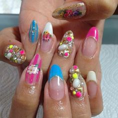 Mindblowing nail art, such a great imagination