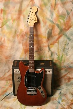 Fender mustang walnut