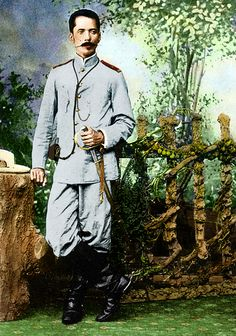 Colorized photo of General Pantaleon Garcia Philippine Army, Treaty Of Paris, Filipino Fashion, The Spanish American War, Colorized Photos, Freedom Fighters, Pinoy, Military History, Revolutionaries