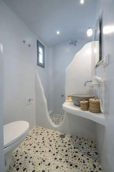 Just 10 metres from the sandy beach of Agia Anna, Naxian Breeze offers elegant, Cycladic-style accommodation with free WiFi access. Rustic Bathroom Designs, Bathroom Design Small, Bathroom Layout, Bathroom Interior Design, Modern Bathroom, Plastic Bottle House, Ideas Baños, Village House Design, Ideal Bathrooms
