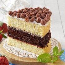 LAPIS SURABAYA Sajian Sedap Cupcake Frosting, Cupcakes, Lapis Surabaya, Layer Cakes, Frostings, Ethnic Recipes, Layers, Food, Mulches