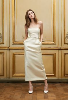 Une robe de mariée façon tailleur long - robe bustier, coupe droite - modèle Basil de la créatrice Delphine Manivet