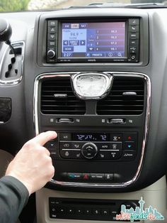Chrysler Town & Country Comfort - Easy to reach and use controls from the driver's seat. Tons of tech in this one!