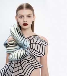 A Line of 3D Printed Clothing Based on Defects