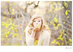 Spring Session | Spring Photography | Soring Flowers | Spring Session | Flowers | Senior Picture Ideas for Girls
