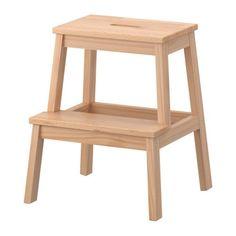 BEKVÄM Escadote com 2 degraus IKEA Madeira maciça, um material natural duradouro.