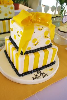 Adorable Bumble Bee Cake