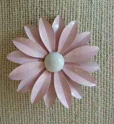 Pretty in Pink Vintage Enamel Daisy Flower Pin Brooch