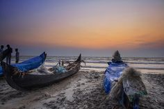 Sunset Perspective : HDR by AgniMax, via Flickr