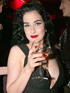 Dita Von Teese, the queen of vintage glamour