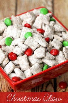 Super easy and delicious Christmas Chow recipe { lilluna.com }
