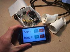 """Piloter n'importe quel appareil avec votre téléphone ou votre ordinateur! Avec ce petit boîtier, il vous sera possible de contrôler indépendamment avec votre smartphone, tablette ou même PC 2, appareils branchés sur secteur. Il permet de rendre n'importe quel appareil """"connecté"""". Vous pouvez partir sur ce principe pour contrôler tout dans votre maison, de vos lampes jusqu'à votre chaîne Hi-fi. Il m'est très utile pour allumer à distance mon fer à souder qui est situé dan..."""