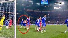 Obrońcy Chelsea Londyn kryli samych siebie zamiast Thiago Silvę • John Terry i Gary Cahill pomylili się w kryciu • Zobacz zdjęcie >> #chelsea #football #soccer #sports #pilkanozna #funny