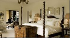 pretty four poster bed
