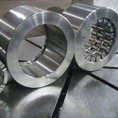Tapered roller bearings according to the number of columns loaded roller into single row. http://www.lysn-bearing.com/high-precision-slewing-bearing/high-precision-slewing-bearing.html