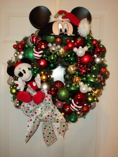 Christmas Wreath Mickey Mouse