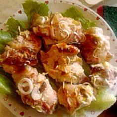 Baconszeletekbe göngyölt töltött csirkemell | Nosalty Potato Salad, Bacon, Potatoes, Ethnic Recipes, Food, Eten, Potato, Meals, Diet