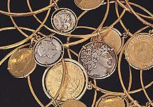 The Elizabeth Taylor Set of 5 Goldtone Coin Charm Bangles — QVC.com