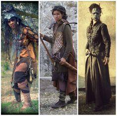 Bàrbara Bibiloni vestida con tres de sus creaciones: Orco, Aesch la caza dragones y Dama de Plata. Vestuario de Hoja de Níspero (http://hojadenispero.blogspot.com.es/) y mathoms de La Mathomería (http://lamathomeria.blogspot.com.es/)