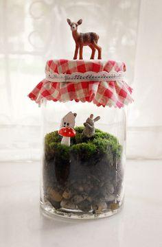 Un mini jardin personnalisé, sur le thème des contes, lutins, fées, champignon.... A vous de jouer
