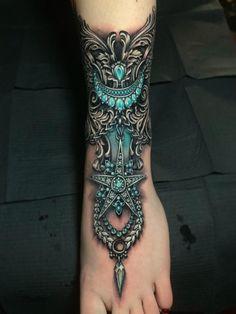 Ramón on Ramón on Ryan Ashley Malarkey > Unnamed Gem Tattoo, Tattoo Off, Tattoo Henna, Jewel Tattoo, Anklet Tattoos, Lace Tattoo, Tatoos, Torso Tattoos, Foot Tattoos