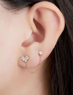 Trending Ear Piercing ideas for women. Ear Piercing Ideas and Piercing Unique Ear. Ear piercings can make you look totally different from the rest. Ear Jewelry, Cute Jewelry, Body Jewelry, Jewelery, Jewelry Accessories, Jewelry Design, Jewelry Case, Gold Jewellery, Diamond Jewelry