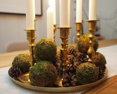En søndag til å lage mosekuler i alle størrelser   SkarpiHagen Candle Holders, Candles, Table Decorations, Furniture, Home Decor, Homemade Home Decor, Candy, Home Furnishings, Interior Design