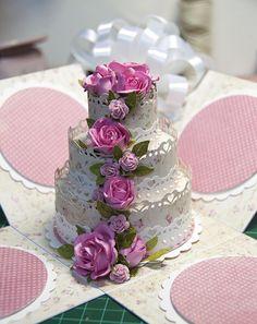 Male fantazje Oli: KURS na torcik Scrapbook Box, Scrapbooking, Card In A Box, Exploding Gift Box, Cake Templates, Light Cakes, Cake Shapes, Paper Cake, Box Cake