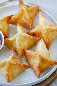 Crab Rangoon - the best and easiest crab Rangoon recipe with cream cheese, crab ., Crab Rangoon - the best and easiest crab Rangoon recipe with cream cheese, crab and wonton wrapper. These cream cheese wontons are fail-proof and much. Wonton Recipes, Seafood Recipes, Appetizer Recipes, Cooking Recipes, Crab Appetizer, Meat Appetizers, Recipes With Wonton Wrappers, Wonton Wrapper Appetizers, Tapas
