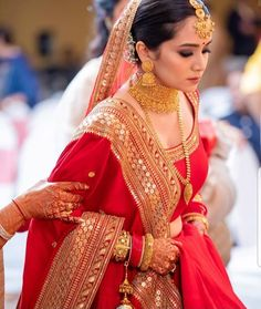 Brides 2020 This Is For You :- Wanderlust Fashion Here you see some beautiful Bridal wear Outfit option for Brides 2020 to get some goo. Indian Bridal Photos, Indian Bridal Outfits, Indian Bridal Fashion, Indian Bridal Wear, Bridal Dresses, Bengali Bride, Bengali Wedding, Wedding Lehanga, Bengali Saree