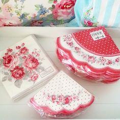 Ещё есть вот такие красненькие!! http://www.danishprincess.ru/paper_napkin/