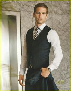 Paul Walker - handsome man in a 3 piece pinstripe suite, that's a given. Cody Walker, Rip Paul Walker, Paul Walker Tribute, Paul Walker Pictures, Paul Walker Interview, Carter Smith, Blonde Man, Michael Ealy, Child Actors