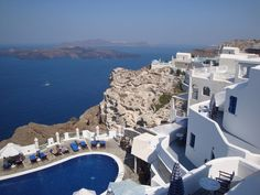 Santorini Island travel tips - where to stay, beaches, restaurants, and more!