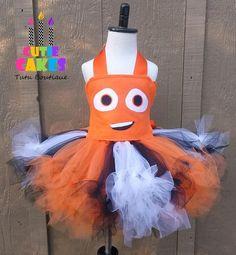 Popular items for nemo costume on Etsy Nemo Costume, Fish Costume, Tutu Costumes, Costume Ideas, Halloween 2016, Holidays Halloween, Halloween Costumes For Kids, Halloween Party, Disney Tutu